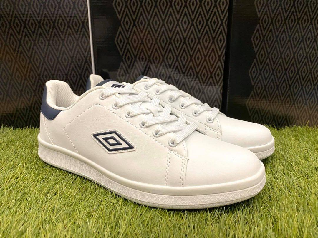 scarpe umbro bianche e blu